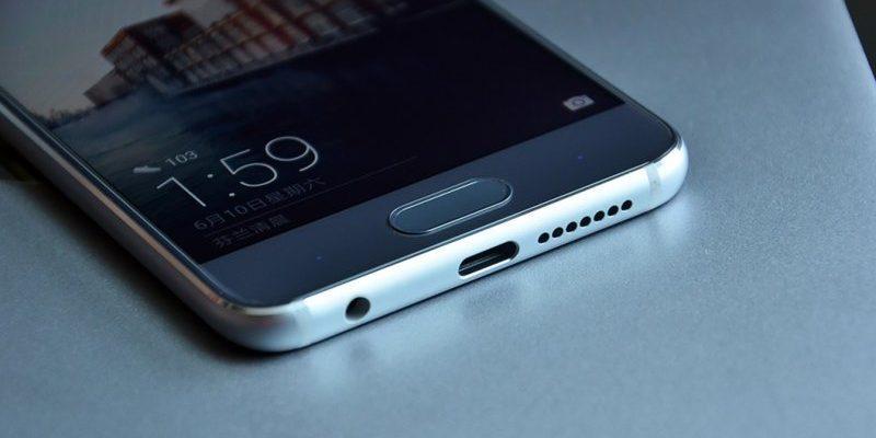 Наличие разъема джек 3,5, а также основного порта USB Type-C
