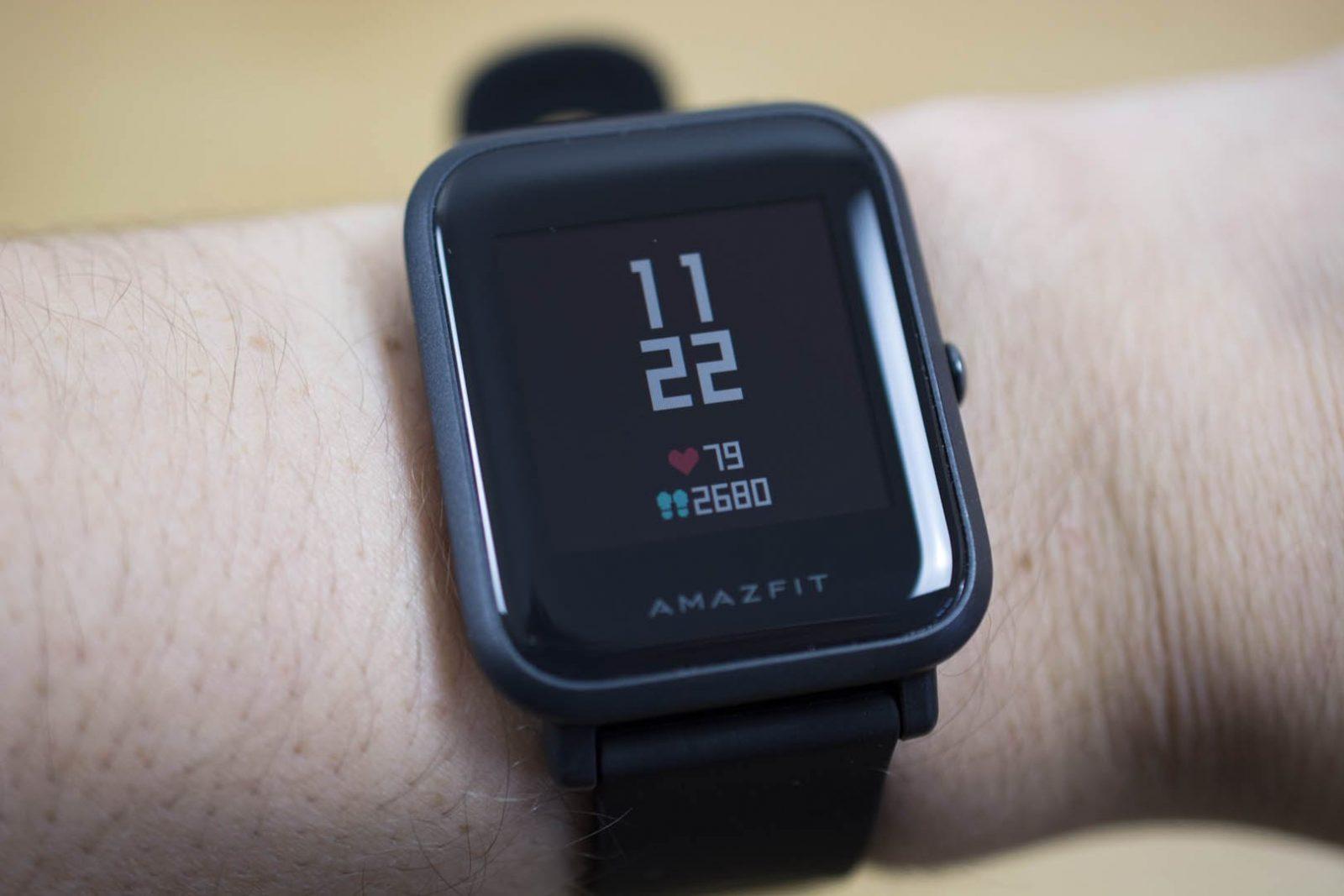 Вот так часы выглядят на руке