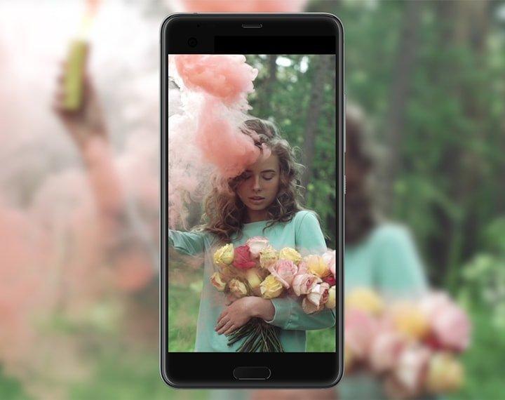 Основной объектив достался от флагманской модели «Десятки HTC».