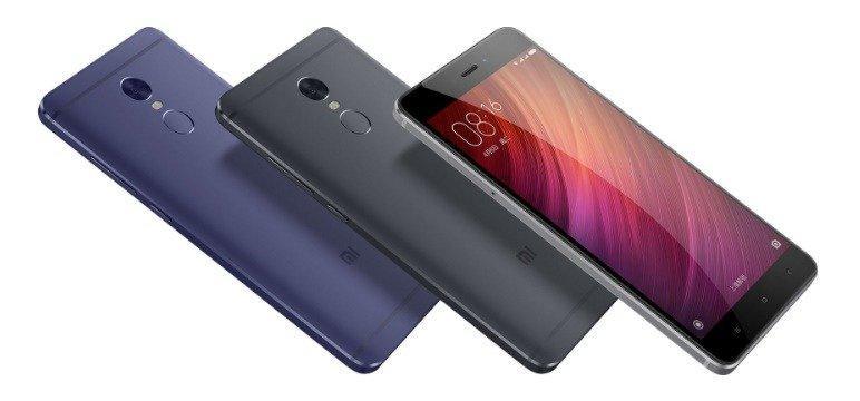 При беглом взгляде на смартфон создается впечатление, что это точная копия предыдущей модели. Такой же размер, такой же дизайн. Но это не совсем так!