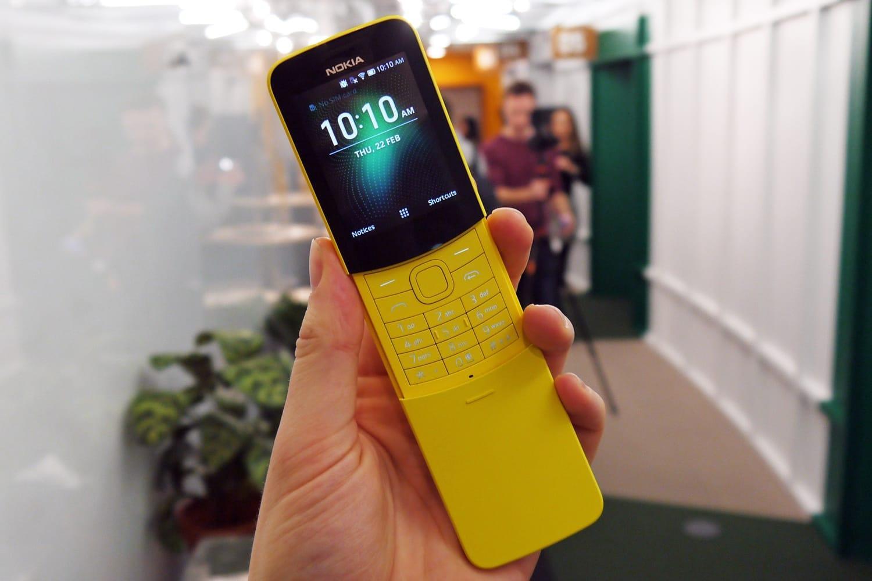 Вот так будет лежать телефон в руке