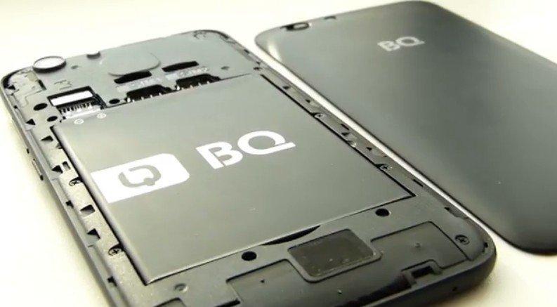 Две SIM-карты и отдельный слот SD-карты