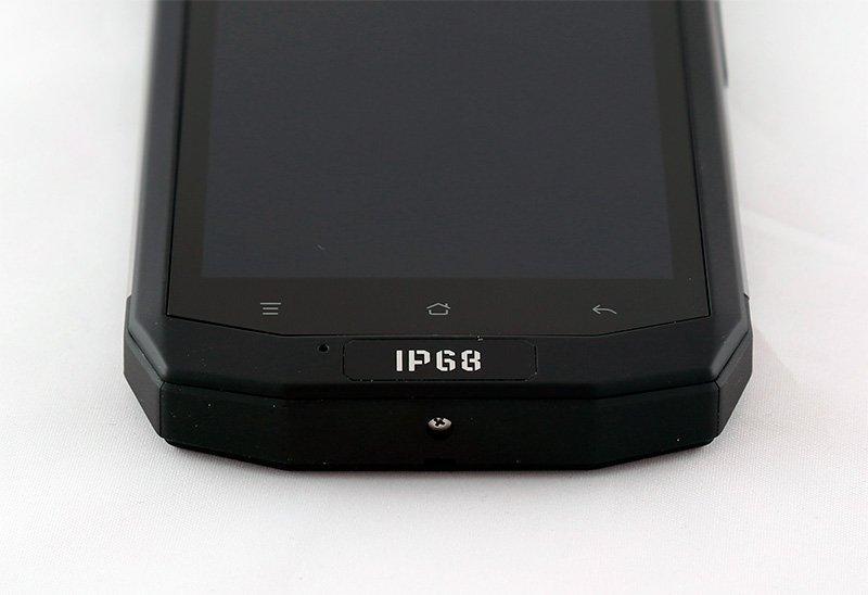 Смартфон имеет защиту класса IP68