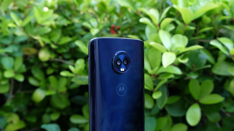Основная камера состоит из двух сенсоров на 16 Мп и 5 Мп
