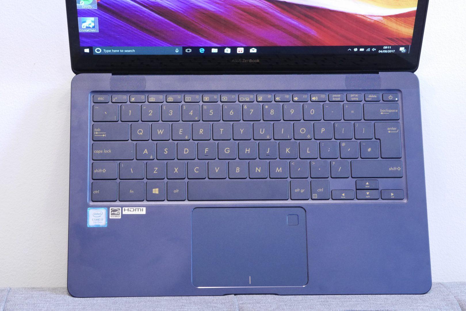 Стандартная клавиатура с подсветкой