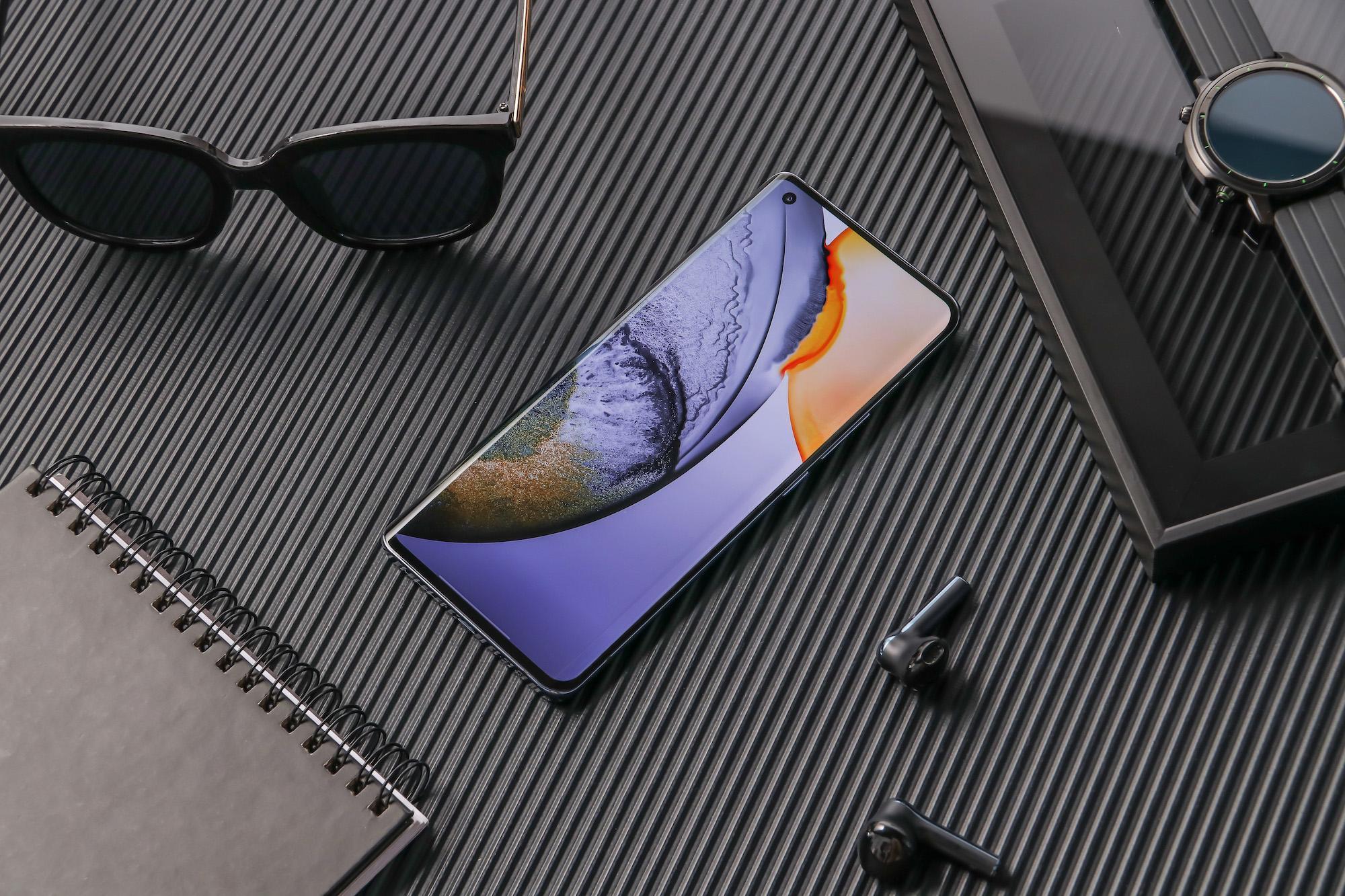 Сердцем X50PRo+ выступает процессор Snapdragon 865, тогда как у более дешевых моделей Snapdragon 765G